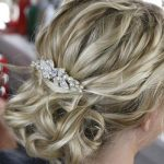 hair style with pearl clip
